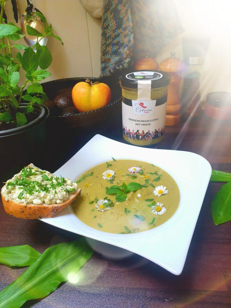 Fräulein Suppe -Erbsencreme mit Minze